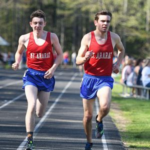 Cam Meier and Eagean Eldridge work together in the 1600